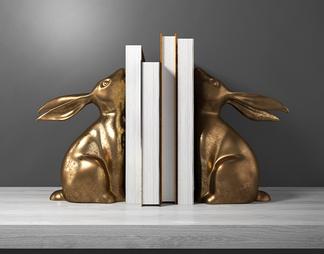 现代兔子书籍摆件