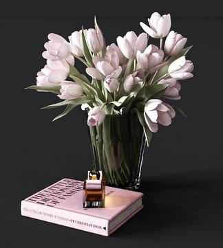 现代玻璃花瓶花卉组合