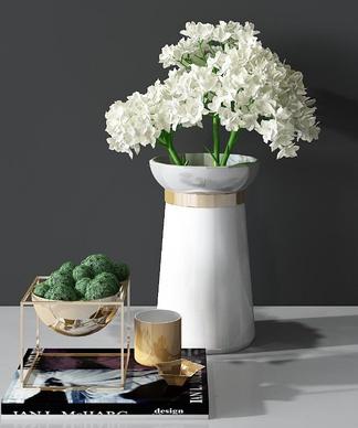 现代轻奢花瓶花卉组合